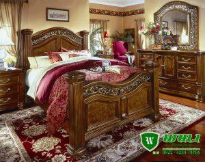 Tempat Tidur Jati Ukir Natural Jepara Model Klasik Modern