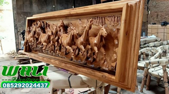 pigura kuda ukir mewah relief furniture kualitas baik tenan,patung kuda,pigura kuda,hiasan dinding,kaligrafi dinding,patung pajangan